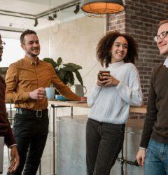 Como-anda-a-integração-de-colaboradores-na-sua-empresa